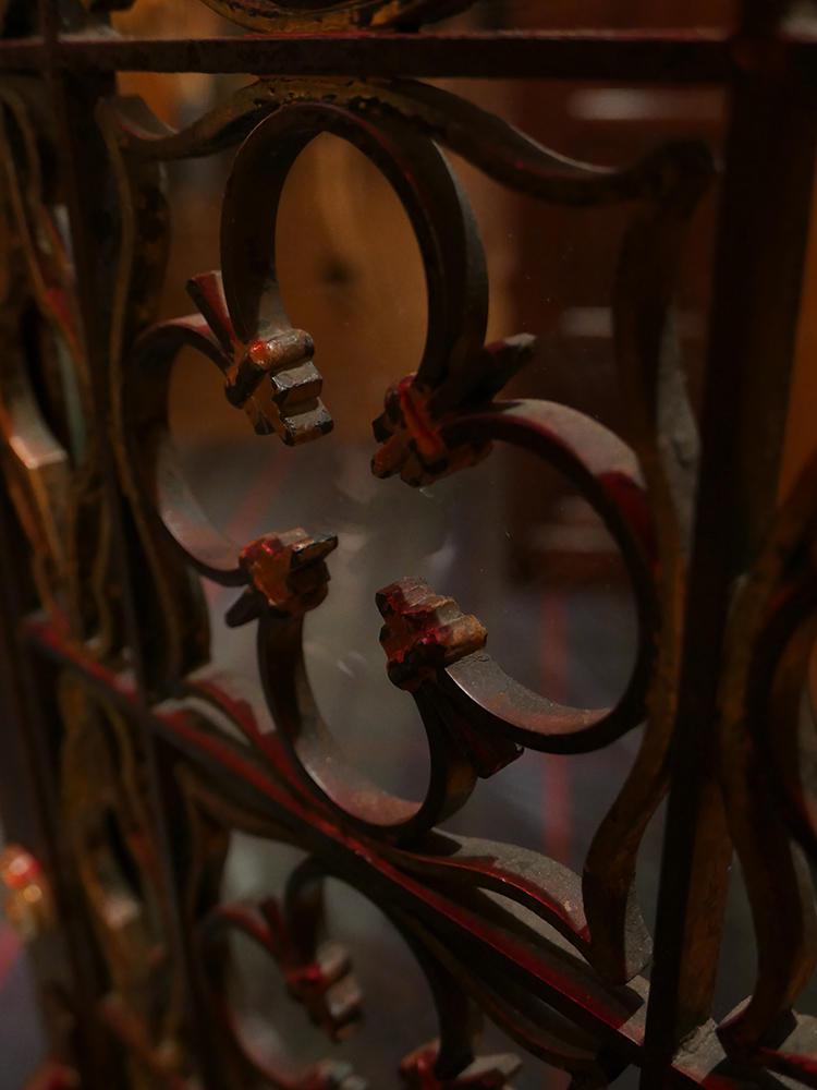 格子の扉も、昔のものを残している。