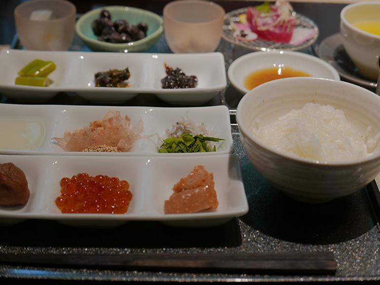 十勝黒豆納豆や、かに海苔も美味しかった。
