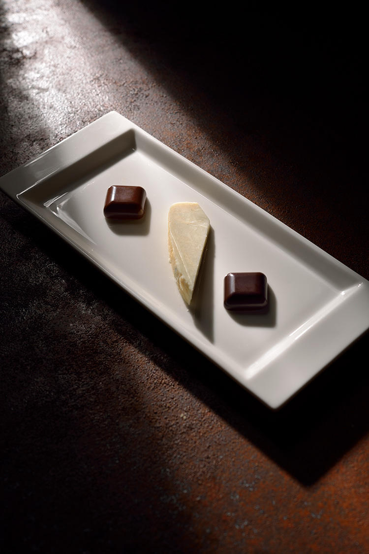 <心躍る饗宴> ホワイトカカオ・ブラジル産カカオ・フロマッジョ