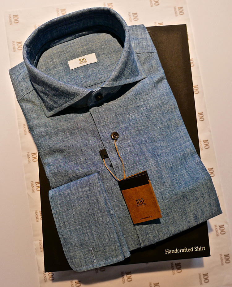Each shirt is beautifully and thoughtfully packaged </br>それぞれのシャツが、美しく思いやりのあるパッケージに包まれて届く。