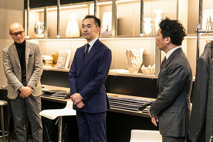 和光のスタッフの方も、鈴木さんのスーツにひとめぼれ。ネイビーのクラシックなスーツだが、これぞ世界のどこに着て行っても恥ずかしくない佇まい。
