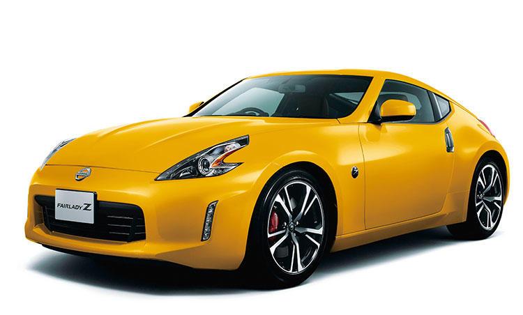 <strong>日産 フェアレディZ<br />390万7440円〜</strong><br />日本が誇る名スポーツカーシリーズの最新モデル。クルマとの一体感をテーマにした「五感パッケージング」を採用。エンジン、ボディ、サスペンションなどを煮詰めることで、走る楽しさを徹底的に追求。一人で走ってストレス解消...なんて男性にこそ味わってほしい。