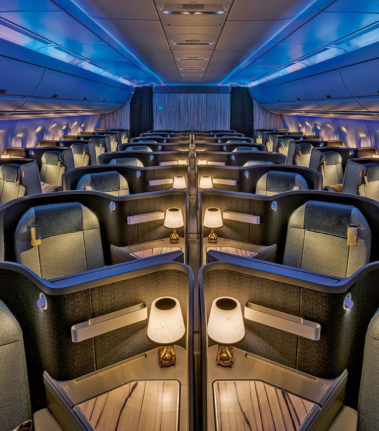 777/A350のプレミアムビジネスキャビンは、シックなインテリアで落ち着ける(一部の便にて利用可)。