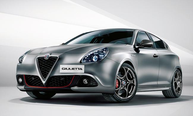 <strong>ALFA ROMEO GIULIETTA<br />376万9200円〜424万4400円</strong><br />デザイン性や走りに定評のあるアルファロメオのハッチバック。エンジンは1.4リットルと1.8リットルの2種類、トランスミッションはダイレクト感が楽しめる2ペダルMT「Alfa TCT」を採用。走りを楽しみたい人にうってつけの1台だ。(アルファコンタクト)