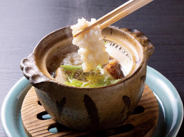 <figcaption>「土鍋」</figcaption><br/><p>一人前で使いやすいサイズの土鍋をオリジナルでオーダー。</p>