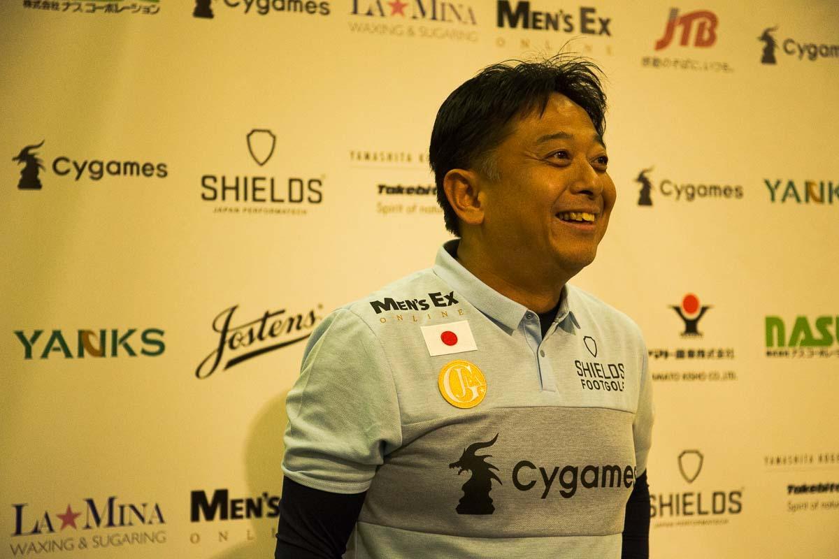 こちらは、現役証券マンで、シニア日本代表の座を獲得した田中さん。サッカー選手でない一般人でも、代表になるのは夢じゃないのだ。