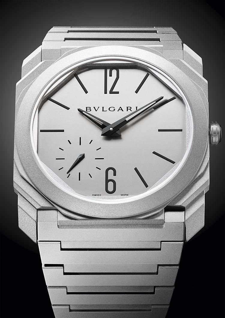 オススメの「ONの時計」<br><b>オクト フィニッシモ オートマティック サンドブラスト</b><br>「この時計は、メンズウォッチに大切な3つの要素をすべて備えています。すなわち、エレガントであること、モダンであること、きちんと作られた製品(=well made)であることです。ここではONの時計として紹介しますが、まさしくどんなオケージョンでも対応できる時計なのです。」146万円