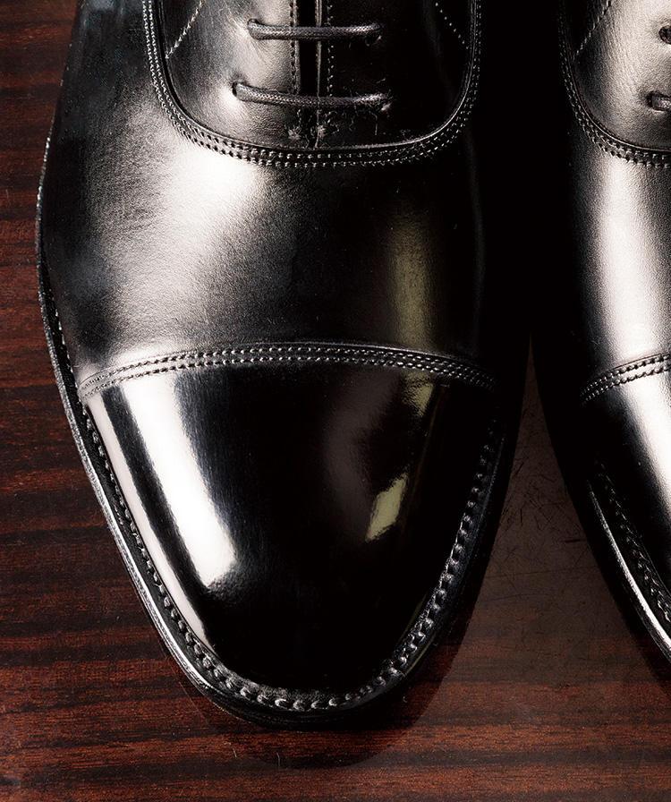 鏡面 磨き 革靴 はじめてでも簡単!革靴の鏡面磨きの方法と失敗しないコツをご紹介!