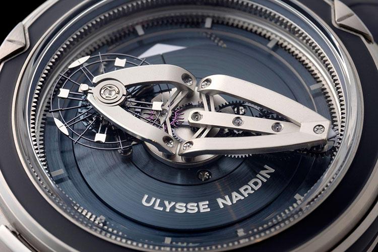 <b>Ulysse Nardin >></b>