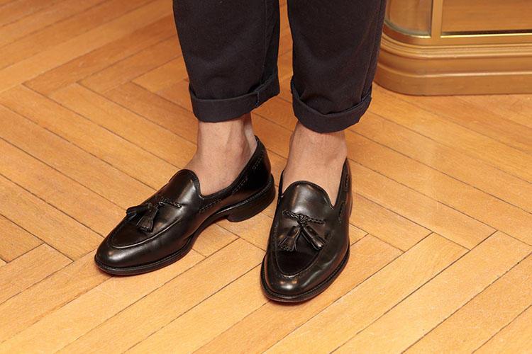 アレン・エドモンズのタッセルローファーを着用。古着のパンツも裾幅や丈の長さの補正次第で、今の時代に通用するものに変わる。