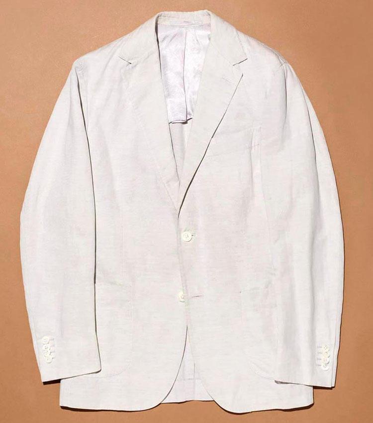 「スティレ ラティーノ」のジャケット。2Bは3Bが出る前の10年ぐらい前のもの。初めてのスティレラティーノのジャケットは自社のセールで買ったこちら。西口さんにとってはなかなか感慨深い一着だ。
