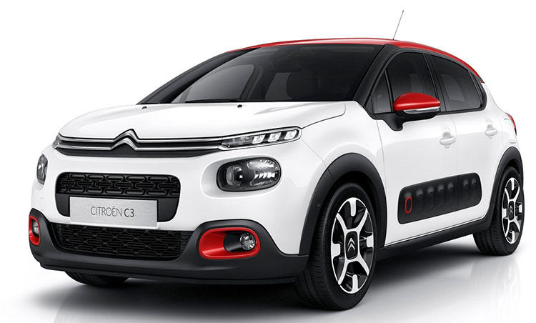 <strong>シトロエン C3<br />216万円〜</strong><br />女性にも運転しやすい小さなボディで、とびきり個性派を狙うならシトロエンの新型ハッチバックC3。安全装備でもあるドアパネルのエアバンプなど、他モデルにないデザインを持ち、車内もエクステリアに負けないぐらい遊び心が満載だ。走りも1.2Lながら非常に元気。