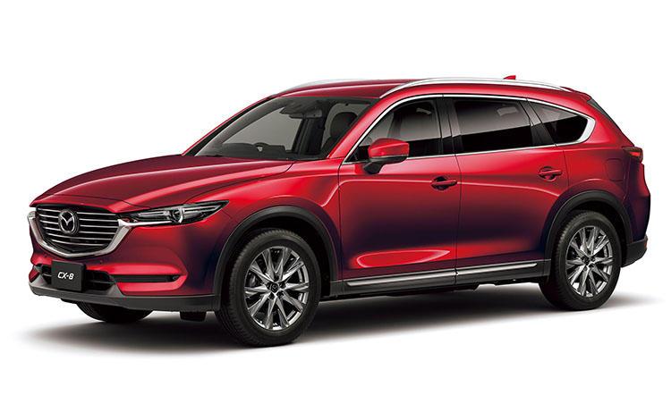 <strong>マツダ CX-8<br />319万6800円〜</strong><br />いざという時に備えた3列シートを持ち、それでいてちょっと贅沢な気分を味わえる国産車といえばCX-8。車内に乗り込むと質感の高さから、いつもとは違う上質な気分が味わえる。今元気なマツダの良さが目一杯詰め込まれた家族のためのSUVである。