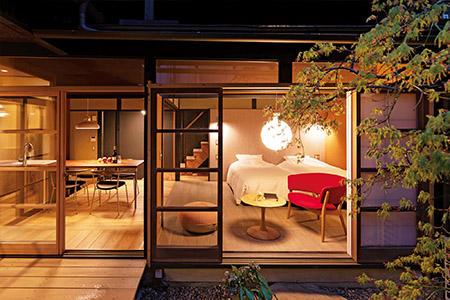 客室には、アルネ・ヤコブセンやフィン・ユールなど北欧デザインの家具を配置。バス・トイレを完備し、防音や断熱を徹底。写真は「糀屋」。