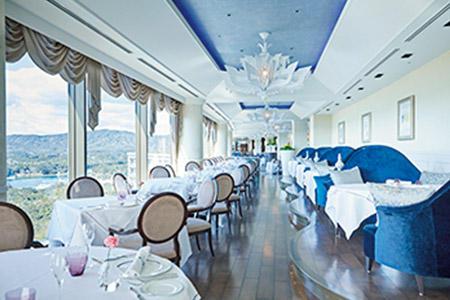 英虞湾を望めるフレンチレストラン「ラ・メール」。