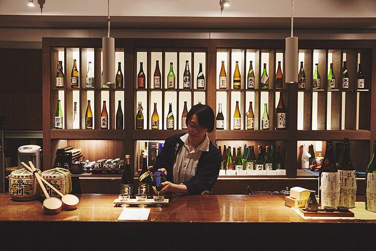 1階ロビー階にある「会津 SAKE Bar」。