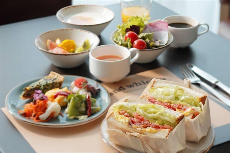朝食は1800円(税別)