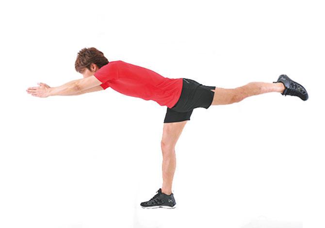 <b>Step 3</b><hr>床と平行になるように体を伸ばしたら、ここで一旦1〜2秒静止