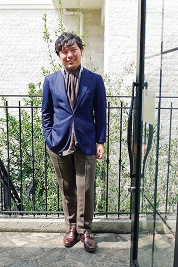 <b>Good Owner!</b><hr style='margin-bottom: 20px'>1993年生まれの大橋氏。「チャルディ」のジャケット着用のシンプルなスタイル。ブログで自身の着こなしも披露する。