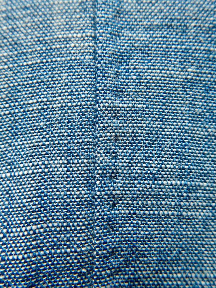 Hand sewn side seams with 2-3mm French single seams. </br>サイドシームは、手で2〜3ミリの袋縫いに。