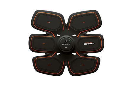 <b>For Daily Self Care 01<br>究極のながら運動で腹筋を常に刺激しよう!</b><hr style='margin-bottom:20px'>20Hzという周波数を採用したEMSトレーニングギア。20段階のレベル調整ができ、腹筋を鍛える。Bluetoothでアプリと連動して成果の可視化も。充電式で使いやすい。<br>Abs Fit 22万5800円(MTG)
