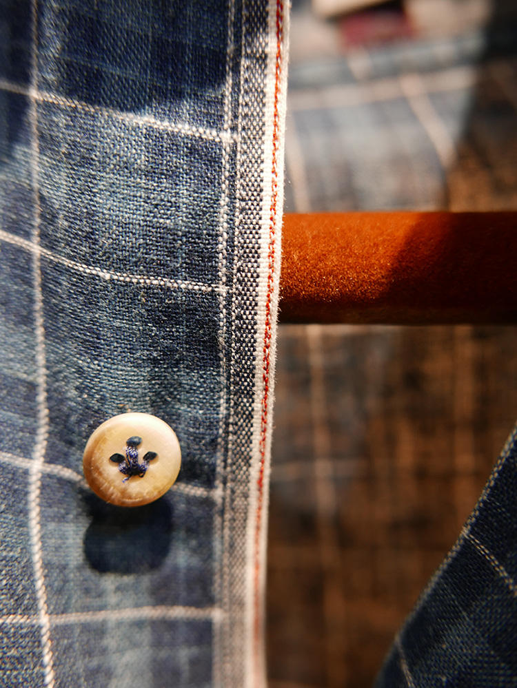 Selvedge trim inspired by America denim, plus bird-foot stitching on the buttons.