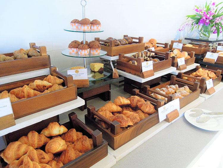 自家製のパンは種類が豊富。