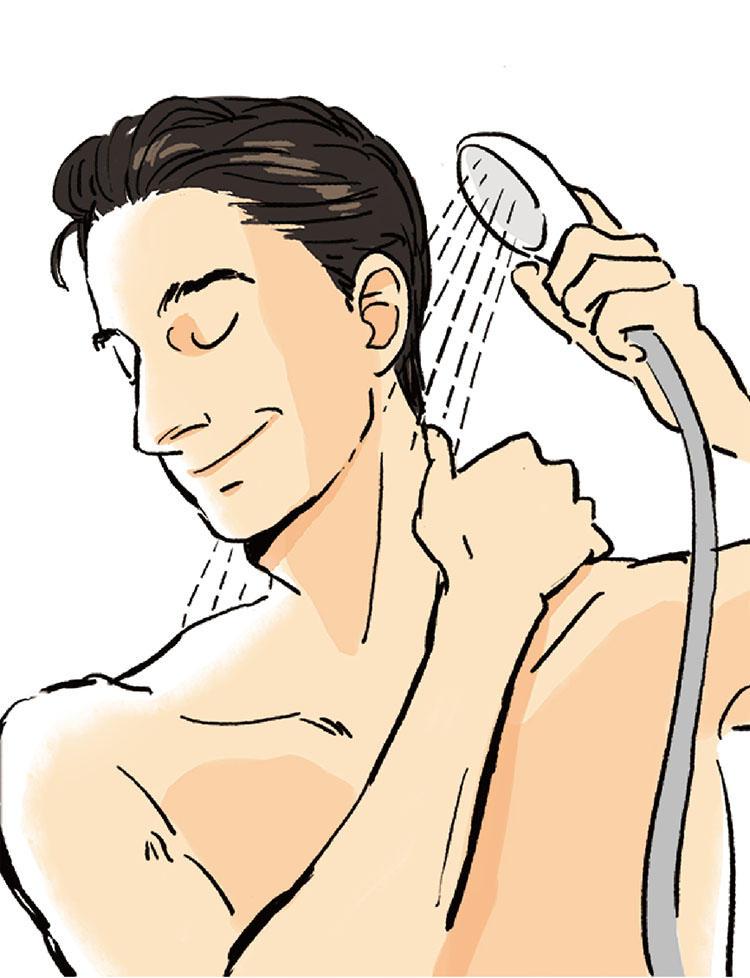 2:シャンプーをつける前にシャワーのお湯でしっかり汚れを流し、粘度の高い頭皮脂を落としやすくしておく。シャワーの水流が頭皮に対して90度にあたるように流すと毛穴の中の汚れが落ちやすくなる。