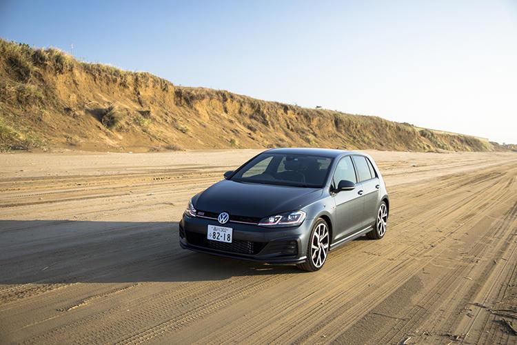 GTIとして初めての7速DSGを採用し、走りはよりパワフルに。