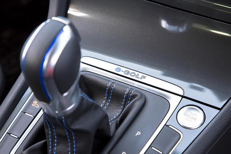 3つの走行モードが用意され、航続距離や最高速度などを設定できる。