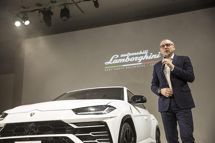本国イタリアから来日してウルスの魅力を語るのは、2014年11月からランボルギーニCEOとなったステファノ・ドメニカリ氏。前職はスクーデリア・フェラーリF1のチーム代表。