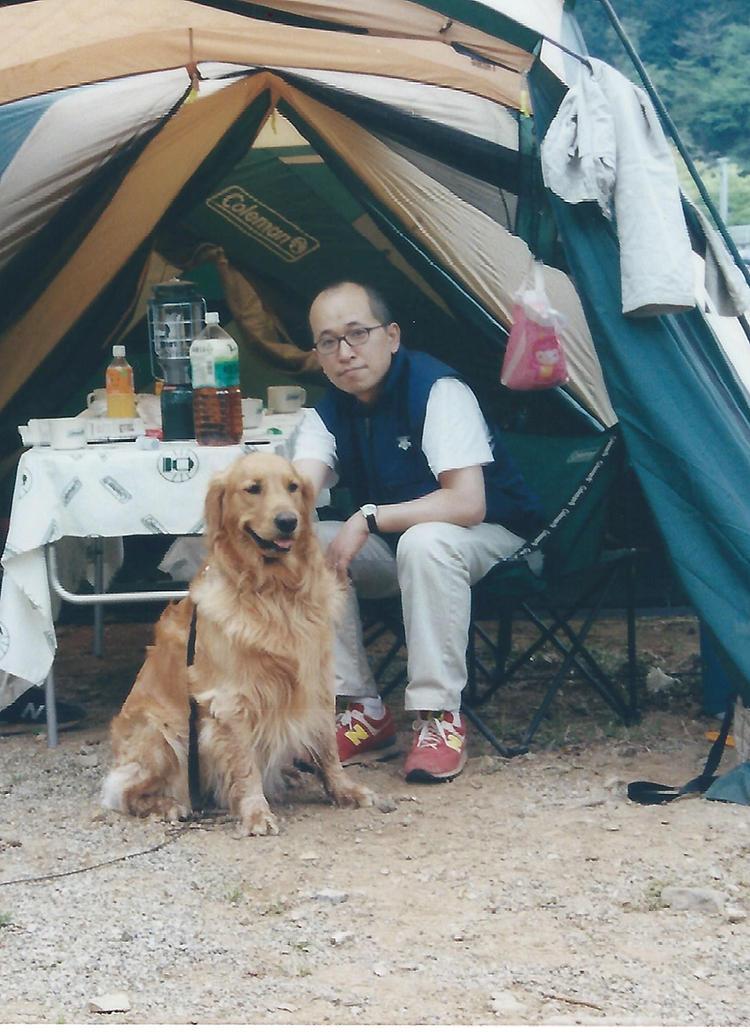キャンプにはまった時期も。約20年前、愛犬を連れて奥多摩へ。