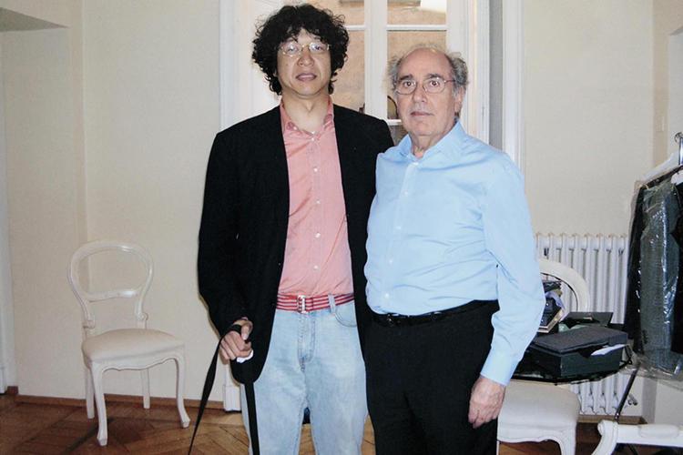師匠であるペコラさんとパチリ。「1995年に帰国してからも5〜6年くらいの間、ずっとミラノに戻り、ペコラさんと一緒に働きたかった」と佐藤さん。