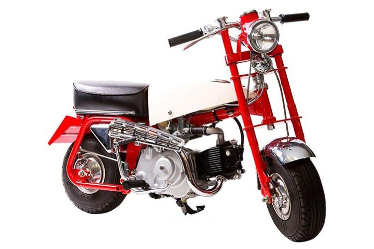 <b>1961年(Z100)初代モンキー</b><br />1961年、「多摩テック」の遊具として開発された。構成パーツのどれもがミニマムだ。
