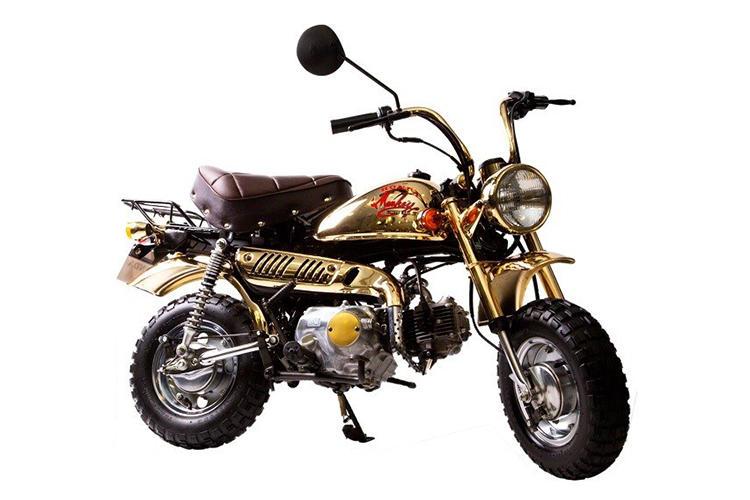 1984年に発売されたゴールドリミテッド。ライトスイッチ類をハンドル左側に集中化させ、マニュアルトランスミッションを4速化した。