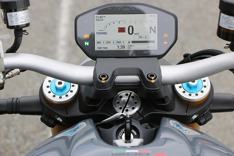 ドゥカティ「モンスター1200S」のライディングモード