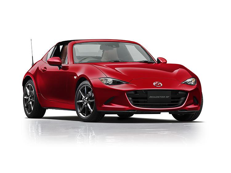 <strong>マツダ ロードスターRF<br />325万円〜</strong><br />国産スポーツカーの王道、ロードスターに用意されたハードトップモデル。ファストバックスタイルと言われる美しいスタイルに持ち前の運動性能をプラス。オープンの楽しさとクーペの快適性も楽しめる。