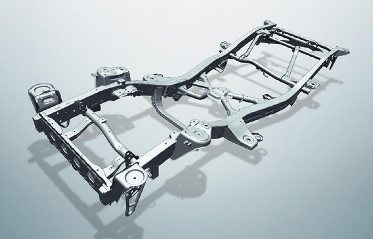 ジムニーの伝統といえるラダーフレーム構造を採用。ボディがどんなに衝撃を受けて変形しても、フレームが歪むことなく走行を可能とする本格4WDの証だ。