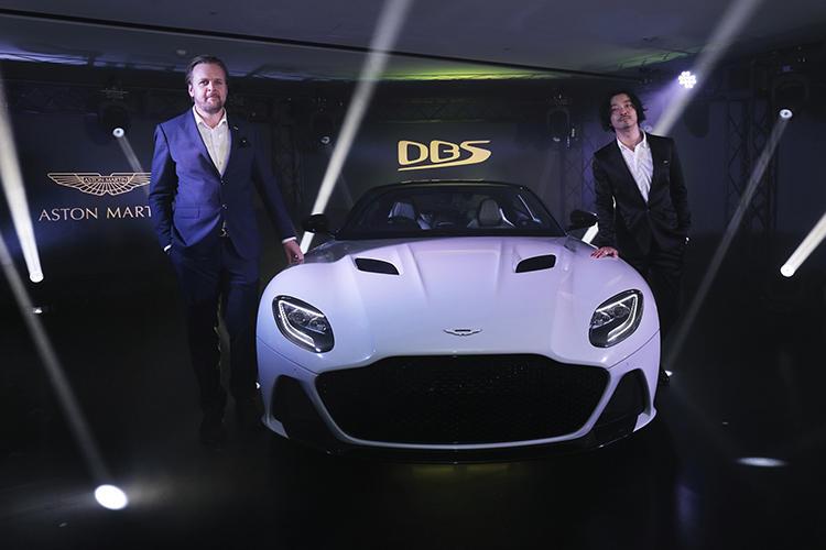 アストンマーティン ボンドカーとして知られる伝説の車名 dbs を復活