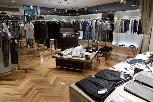 <b>Nice Shop!</b><hr>3階はイタリアブランド中心のメンズブティック。