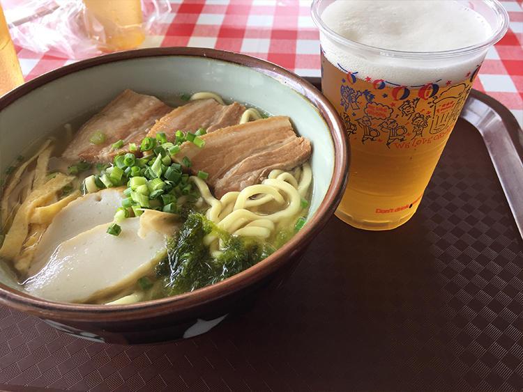 オリオンビールと沖縄そばの組み合わせはテッパンだ