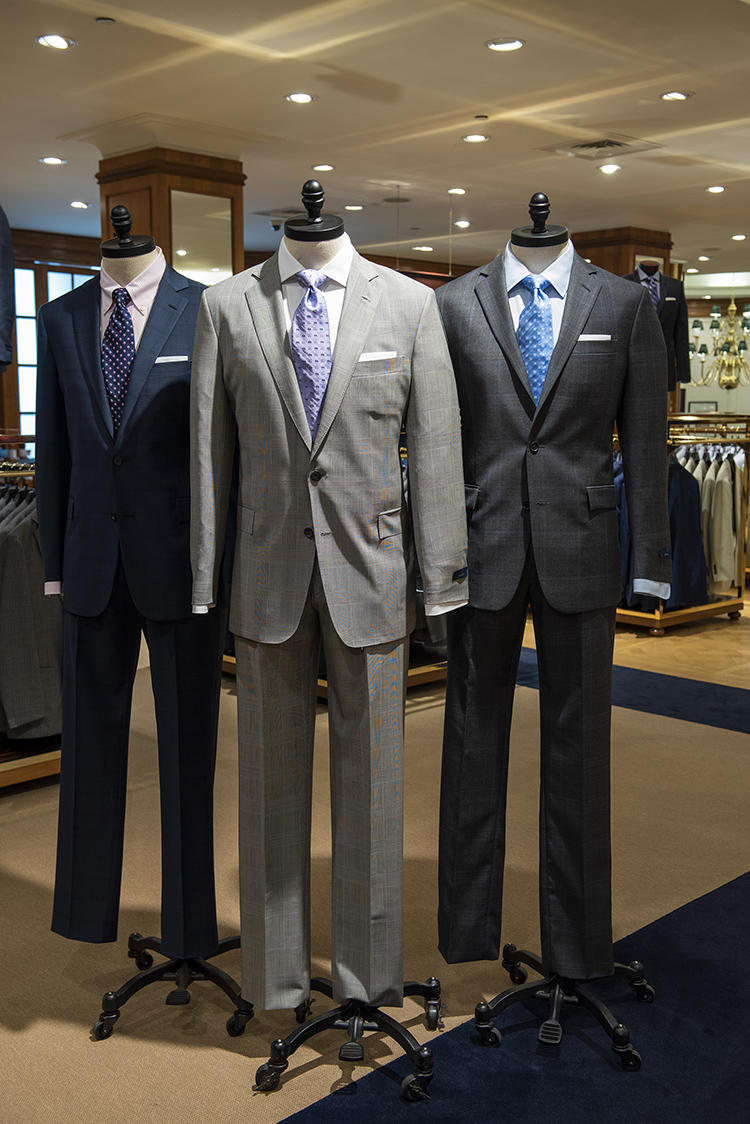 4階メンズフロアは、スーツスタイルの宝庫!
