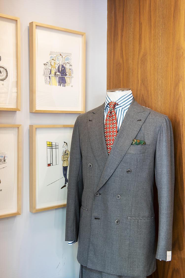 オラッツィオ・ルチアーノのスーツ。