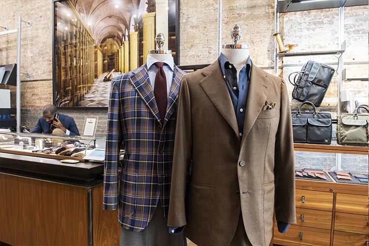 オープン当時から扱う、リングヂャケットのスーツやジャケット。お店の一大人気ブランドだ。