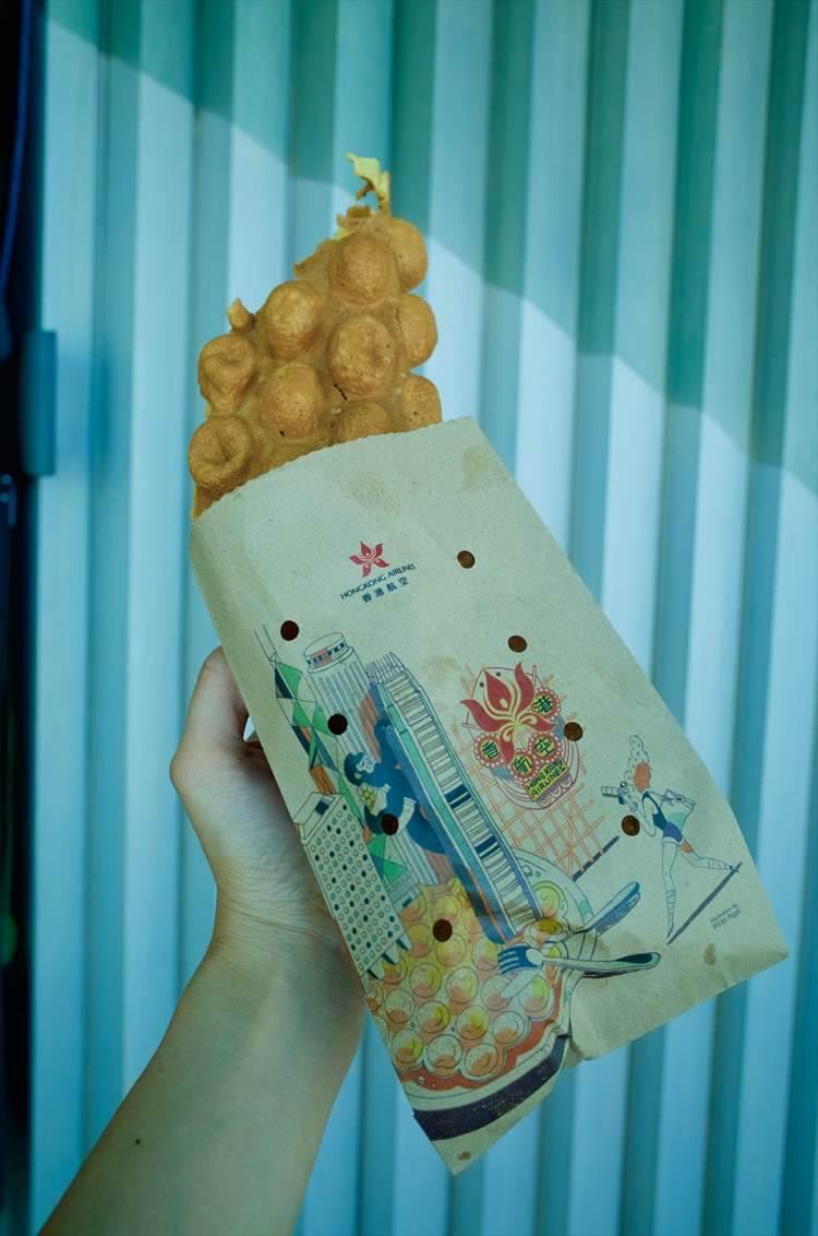 香港で流行中のエッグパフも。ベビーカステラよりもずっと軽い食感がクセになる。