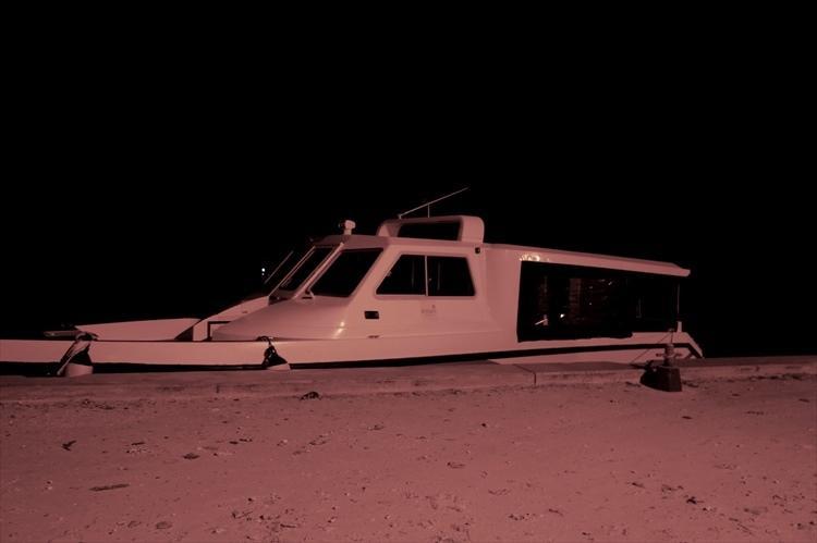 最寄りの空港からはスピードボートに乗り換えて、島まで約10分のラストスパート。