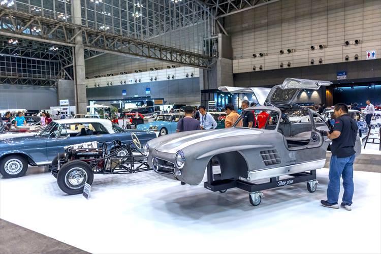 「シルバースター」が出展したのは、絶賛レストア中の1957年製メルセデス・ベンツ300SL。お値段は2億円!完成車のお披露目は来年予定とのこと。