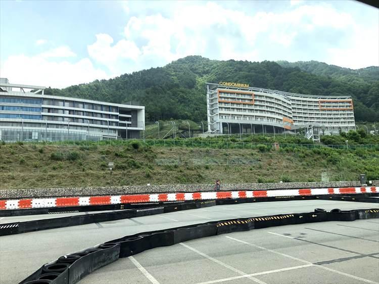 朝鮮半島の東のエリアにある「インジェ・サーキット」は2013年開業のまだ新しいサーキットだけにコースの状態も上々。ホテルなども併設される。
