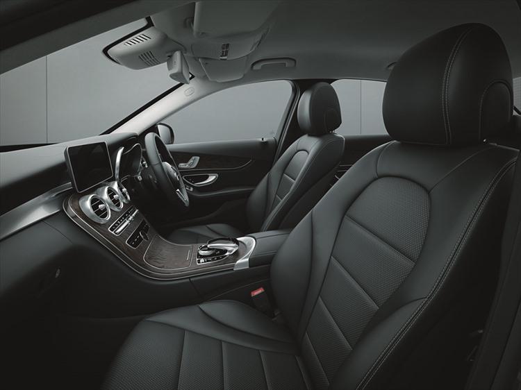 新世代のインフォテインメントシステムである「COMMANDシステム」もレベルアップ。メルセデス・ベンツのテレマティクスサービスである「Mercedes me connect」との連携は高いホスピタリティを提供してくれる。