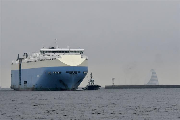 見学した商船三井の自動車運搬専用船「VIOLET